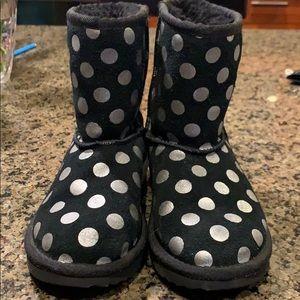 Girls size 12 Ugg boots. Black/Silver EUC